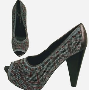 Donald J. Pliner Shoes - Donald J Pliner • Size 7 Beaded Heels